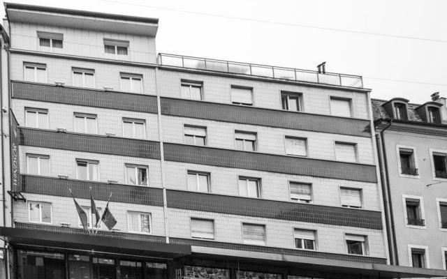 Отель 9Hotel Paquis вид на фасад