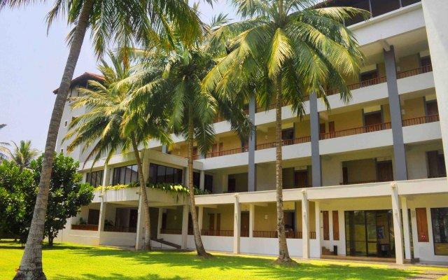 Отель Blue Water Club Suites вид на фасад