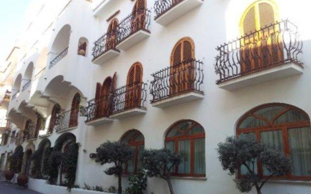 Отель Villa Romana Hotel & Spa Италия, Минори - отзывы, цены и фото номеров - забронировать отель Villa Romana Hotel & Spa онлайн вид на фасад