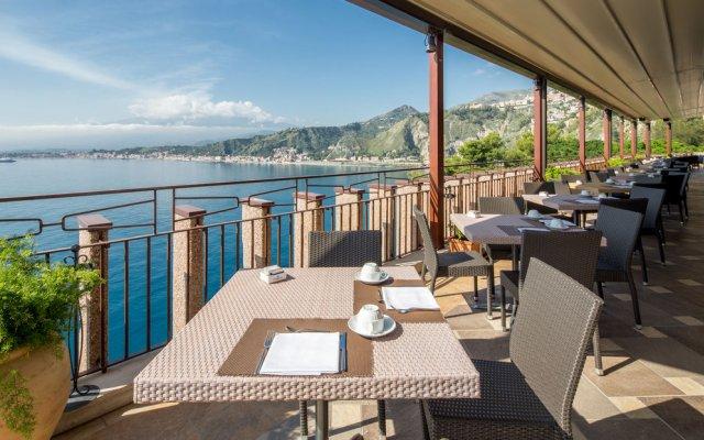 Отель Atahotel Capotaormina Италия, Таормина - 3 отзыва об отеле, цены и фото номеров - забронировать отель Atahotel Capotaormina онлайн вид на фасад