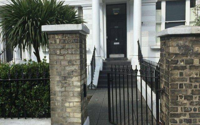 Отель Irwin Apartments at Notting Hill Великобритания, Лондон - отзывы, цены и фото номеров - забронировать отель Irwin Apartments at Notting Hill онлайн вид на фасад