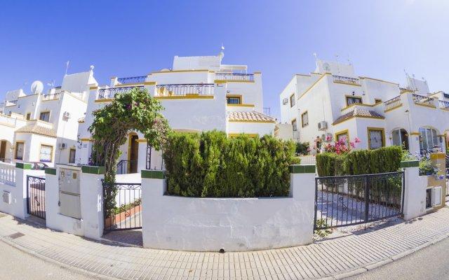 Отель Torrevieja Experience Dream Hills вид на фасад