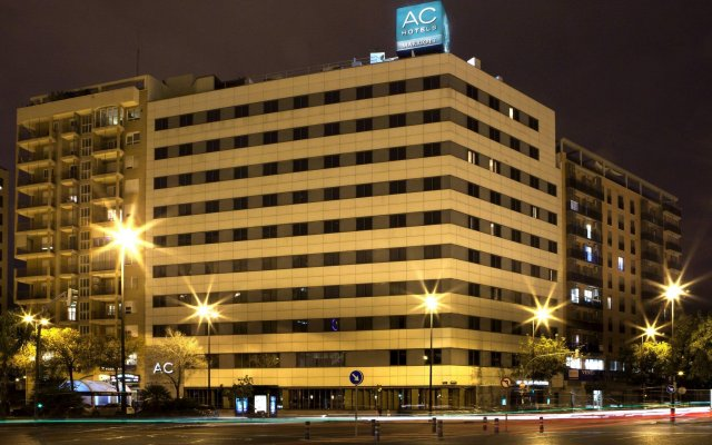AC Hotel Valencia by Marriott вид на фасад