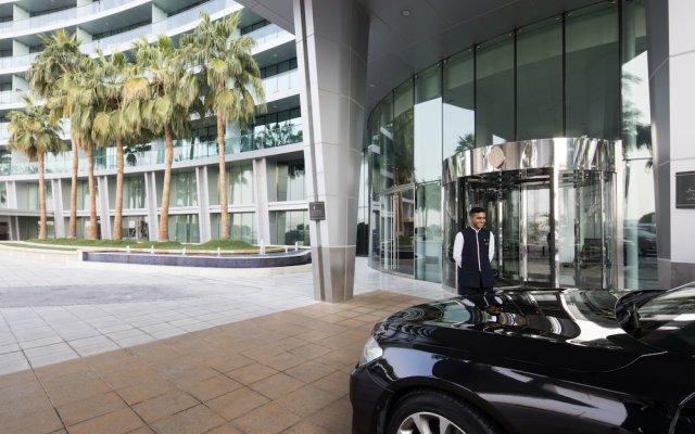 Отель InterContinental Residence Suites Dubai Festival City вид на фасад