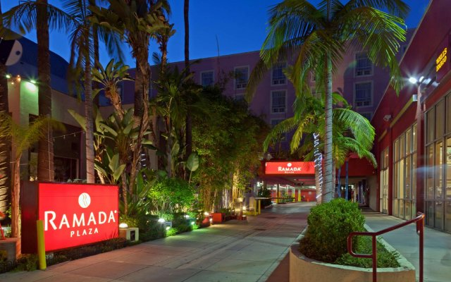 Ramada Plaza Hotel & Suites - West Hollywood вид на фасад