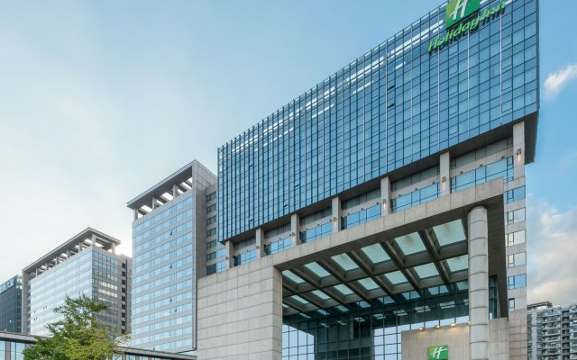 Отель Holiday Inn Shanghai Hongqiao West вид на фасад