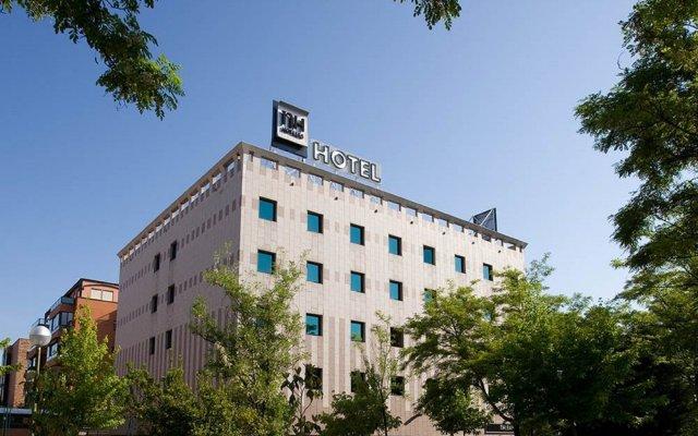 Отель Nh Barajas Мадрид вид на фасад