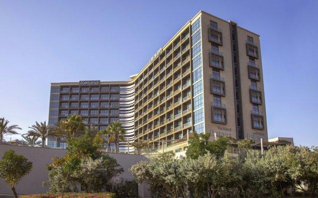 Отель Yas Island Rotana вид на фасад