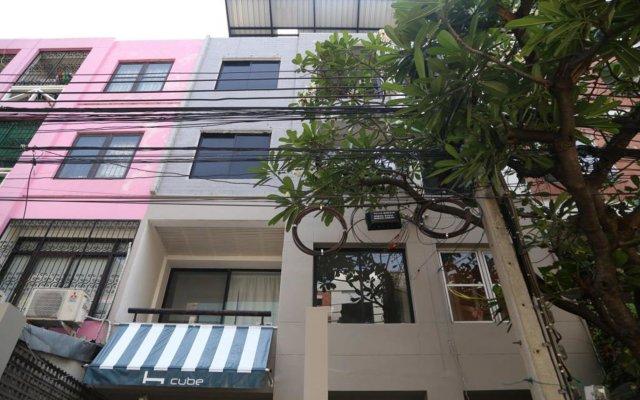 Отель Hcube Bkk Бангкок вид на фасад