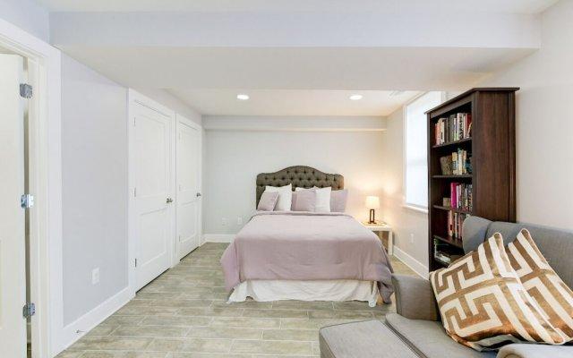 The Magnolia - Modern - 2BD / 2bth - Luxury Bedding