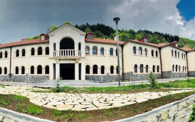 Vanatun Monastery Stay 0