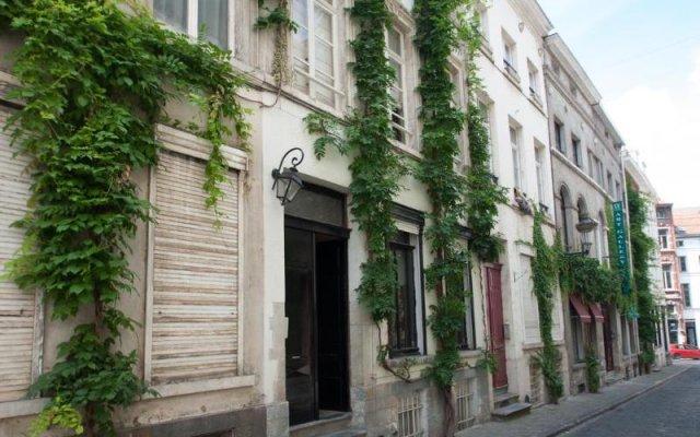 Отель Be&be Sablon 11 Брюссель вид на фасад