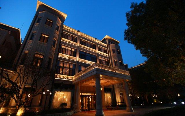 Shanghai Donghu Hotel вид на фасад