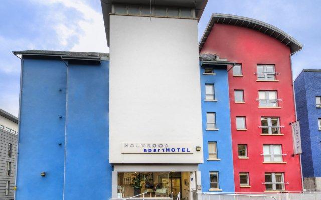 Отель Holyrood Aparthotel вид на фасад
