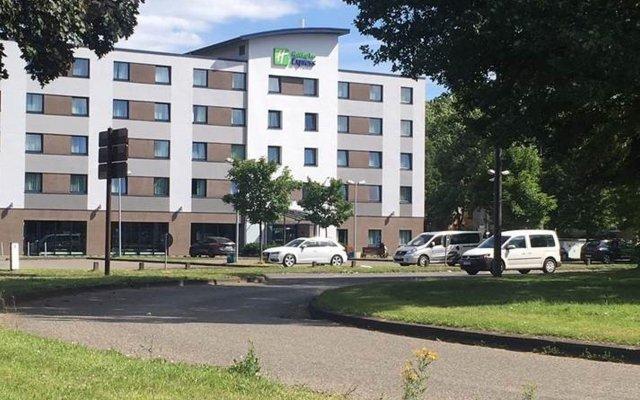Отель Holiday Inn Express Köln-Mülheim Германия, Кёльн - 10 отзывов об отеле, цены и фото номеров - забронировать отель Holiday Inn Express Köln-Mülheim онлайн парковка