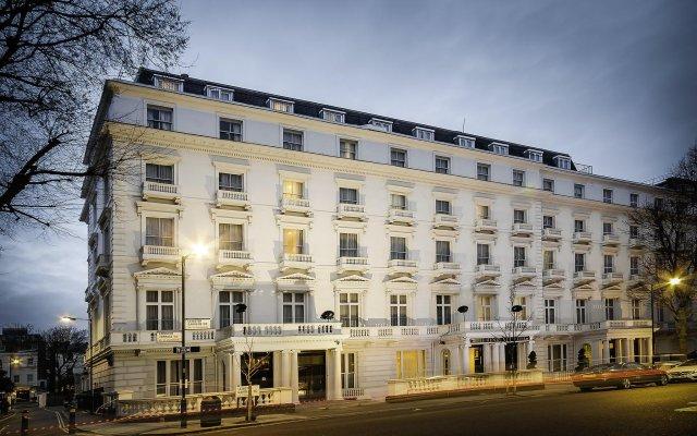 Отель Henry VIII вид на фасад