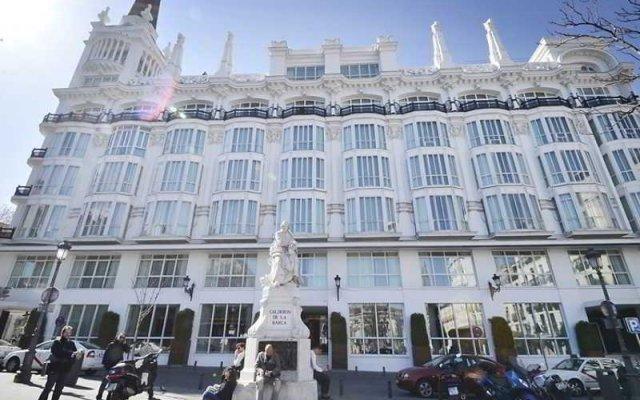 Отель Vintage Santa Ana 7 Dormitorios вид на фасад