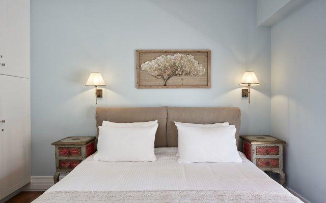Отель Fabulous 3BD Apt close to Kalimarmaro Афины комната для гостей