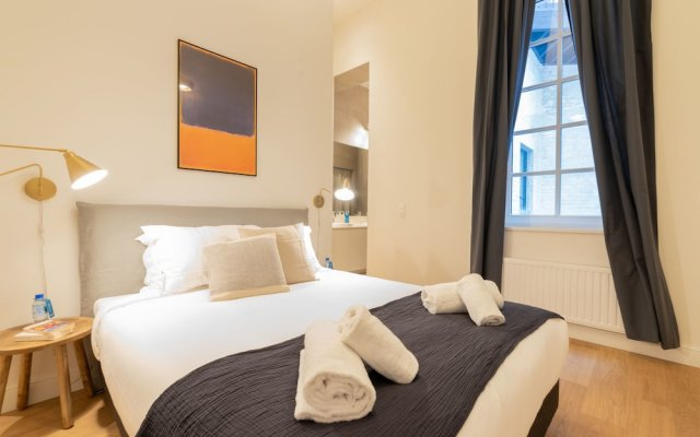 Апартаменты Sweet Inn Apartments - Petit Sablon Брюссель вид на фасад