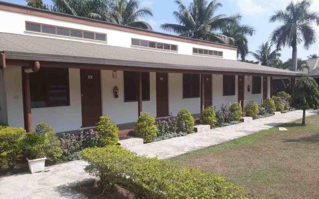 Отель The Friendly North Inn Фиджи, Лабаса - отзывы, цены и фото номеров - забронировать отель The Friendly North Inn онлайн вид на фасад