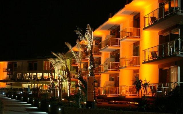 Отель Terrou-Bi Beach & Casino Resort вид на фасад