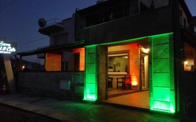 Serra Otel Турция, Урла - отзывы, цены и фото номеров - забронировать отель Serra Otel онлайн вид на фасад