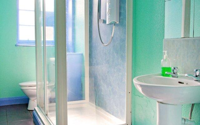 Отель Cowgate Tourist Hostel Великобритания, Эдинбург - отзывы, цены и фото номеров - забронировать отель Cowgate Tourist Hostel онлайн комната для гостей