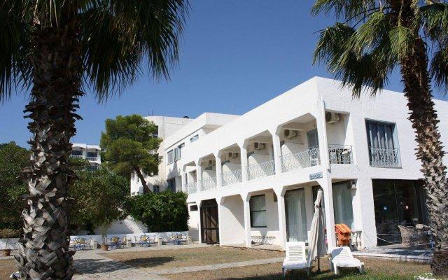 Отель Blue Fountain Греция, Эгина - отзывы, цены и фото номеров - забронировать отель Blue Fountain онлайн вид на фасад