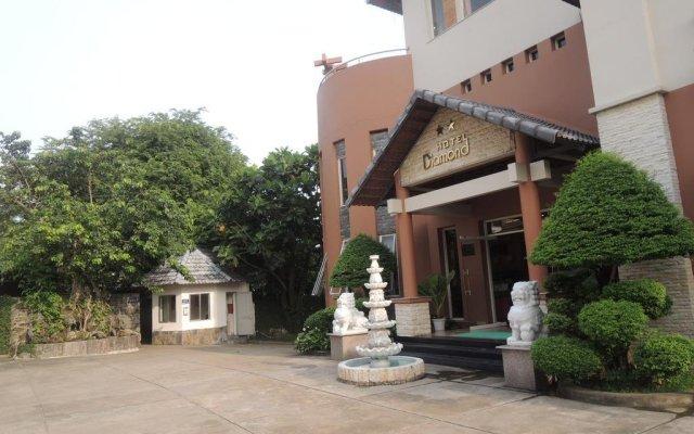 Diamond Hotel & Resort