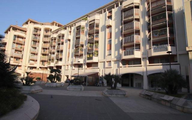 Отель Happy Few - La Cigalusa вид на фасад