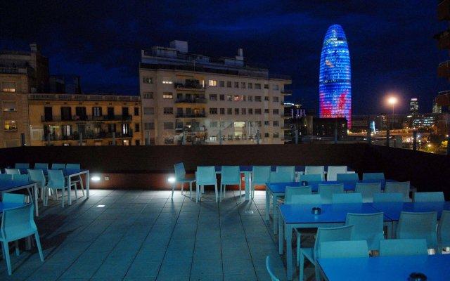 Отель Urbany Hostels Barcelona Испания, Барселона - 3 отзыва об отеле, цены и фото номеров - забронировать отель Urbany Hostels Barcelona онлайн вид на фасад