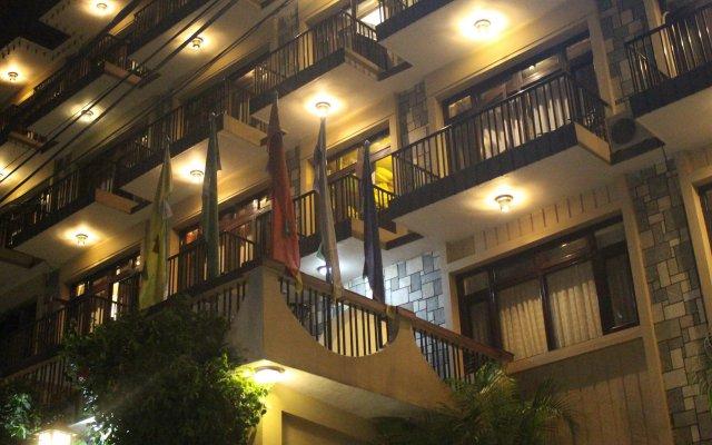 Отель Quay Apartments Thamel Непал, Катманду - отзывы, цены и фото номеров - забронировать отель Quay Apartments Thamel онлайн вид на фасад