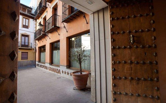 Hesperia Granada Hotel вид на фасад