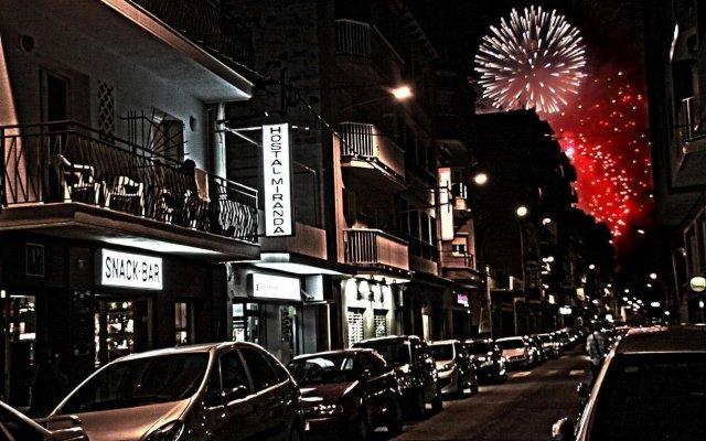 Отель Hostal Miranda Испания, Бланес - отзывы, цены и фото номеров - забронировать отель Hostal Miranda онлайн вид на фасад