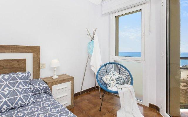 Отель Santa Susanna Skyline Apartment Испания, Санта-Сусанна - отзывы, цены и фото номеров - забронировать отель Santa Susanna Skyline Apartment онлайн комната для гостей