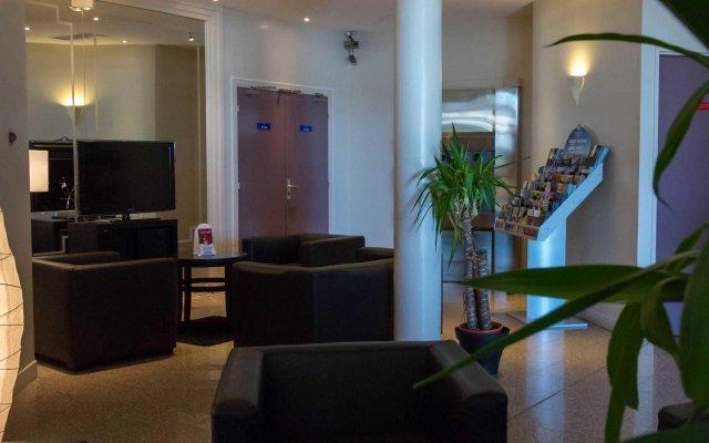 Отель Comfort Hotel Toulouse Sud Франция, Рамонвиль-Сент-Ань - отзывы, цены и фото номеров - забронировать отель Comfort Hotel Toulouse Sud онлайн интерьер отеля
