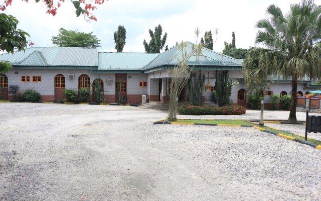 Отель Jacaranda Suites Нигерия, Калабар - отзывы, цены и фото номеров - забронировать отель Jacaranda Suites онлайн вид на фасад