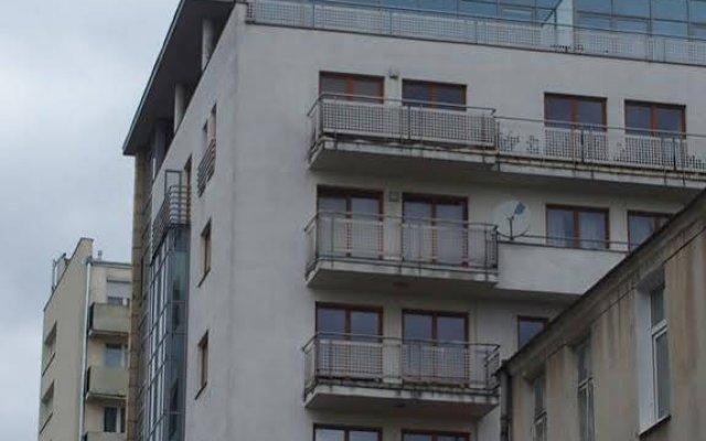 Отель Ajaks Mokotów вид на фасад
