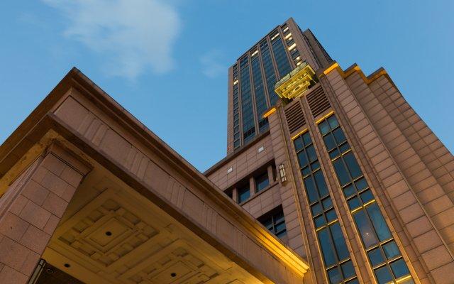 Отель Wyndham Grand Plaza Royale Oriental Shanghai Китай, Шанхай - отзывы, цены и фото номеров - забронировать отель Wyndham Grand Plaza Royale Oriental Shanghai онлайн вид на фасад