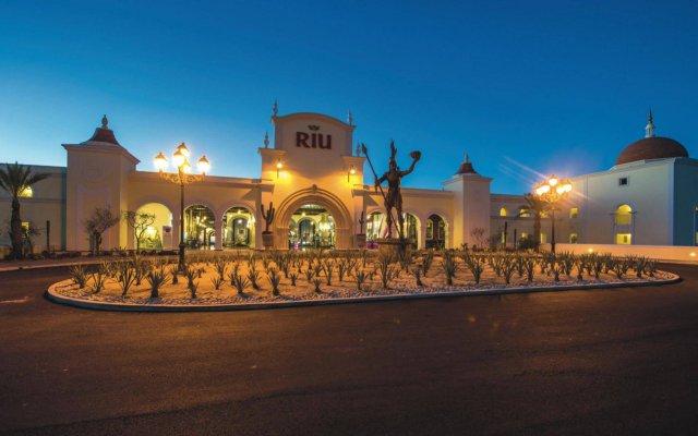 Отель Riu Palace Cabo San Lucas All Inclusive вид на фасад