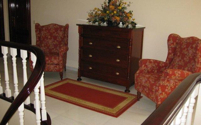 Отель Apartamentos Marítimo Sólo Adultos Эль-Грове комната для гостей