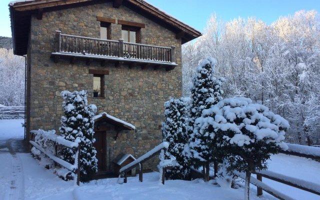 Отель Els Torrents Бельвер-де-Серданья вид на фасад