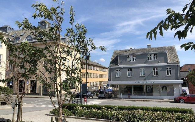Отель Gauk Apartments Sentrum 4 Норвегия, Санднес - отзывы, цены и фото номеров - забронировать отель Gauk Apartments Sentrum 4 онлайн вид на фасад
