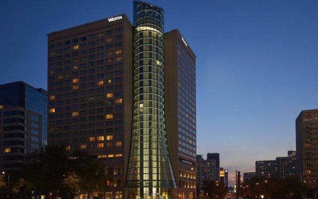 Отель The Westin Warsaw вид на фасад