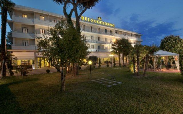 Отель Terme Belsoggiorno Италия, Абано-Терме - отзывы, цены и фото номеров - забронировать отель Terme Belsoggiorno онлайн вид на фасад