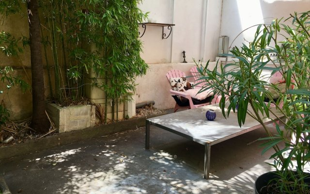 Courtyard Cannes 1