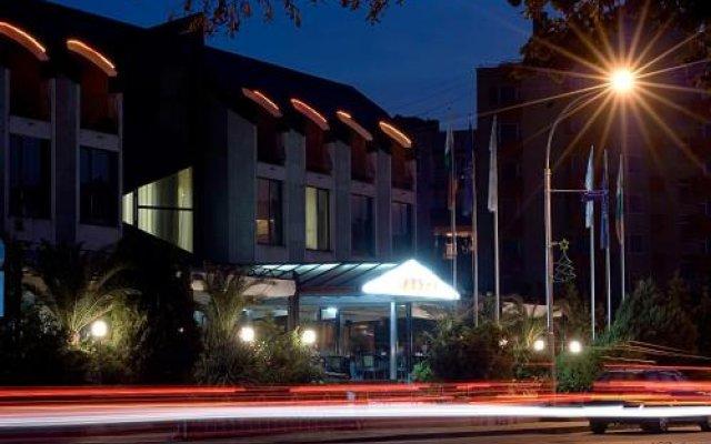 Отель Slaviani Болгария, Димитровград - отзывы, цены и фото номеров - забронировать отель Slaviani онлайн вид на фасад
