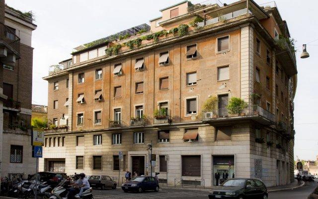 Отель Ripense In Trastevere вид на фасад