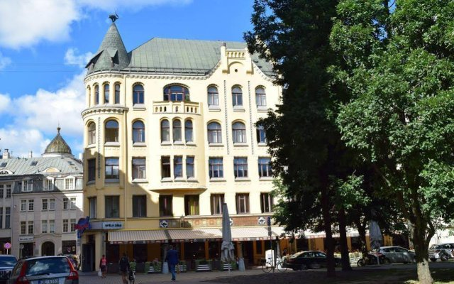 Апартаменты City Apartments Riga Old Town Рига вид на фасад