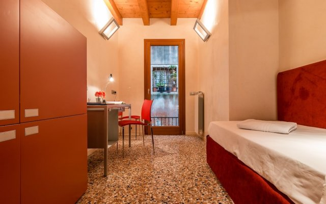 Отель Rialto Mercato a Family Like at Home Италия, Венеция - отзывы, цены и фото номеров - забронировать отель Rialto Mercato a Family Like at Home онлайн комната для гостей